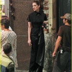 anne hathaway catwoman 20